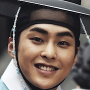 Seondal-The Man Who Sells the River-Xiumin.jpg