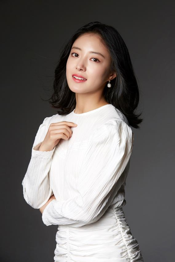 Lee Se-Young-1992-p1.jpg