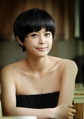 Lee Young-Ah.jpg