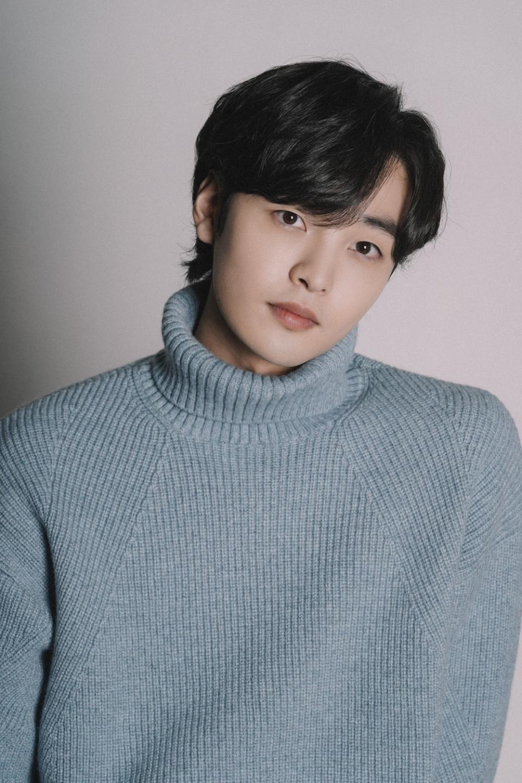 Kim Min-Jae-1996-p01.jpeg
