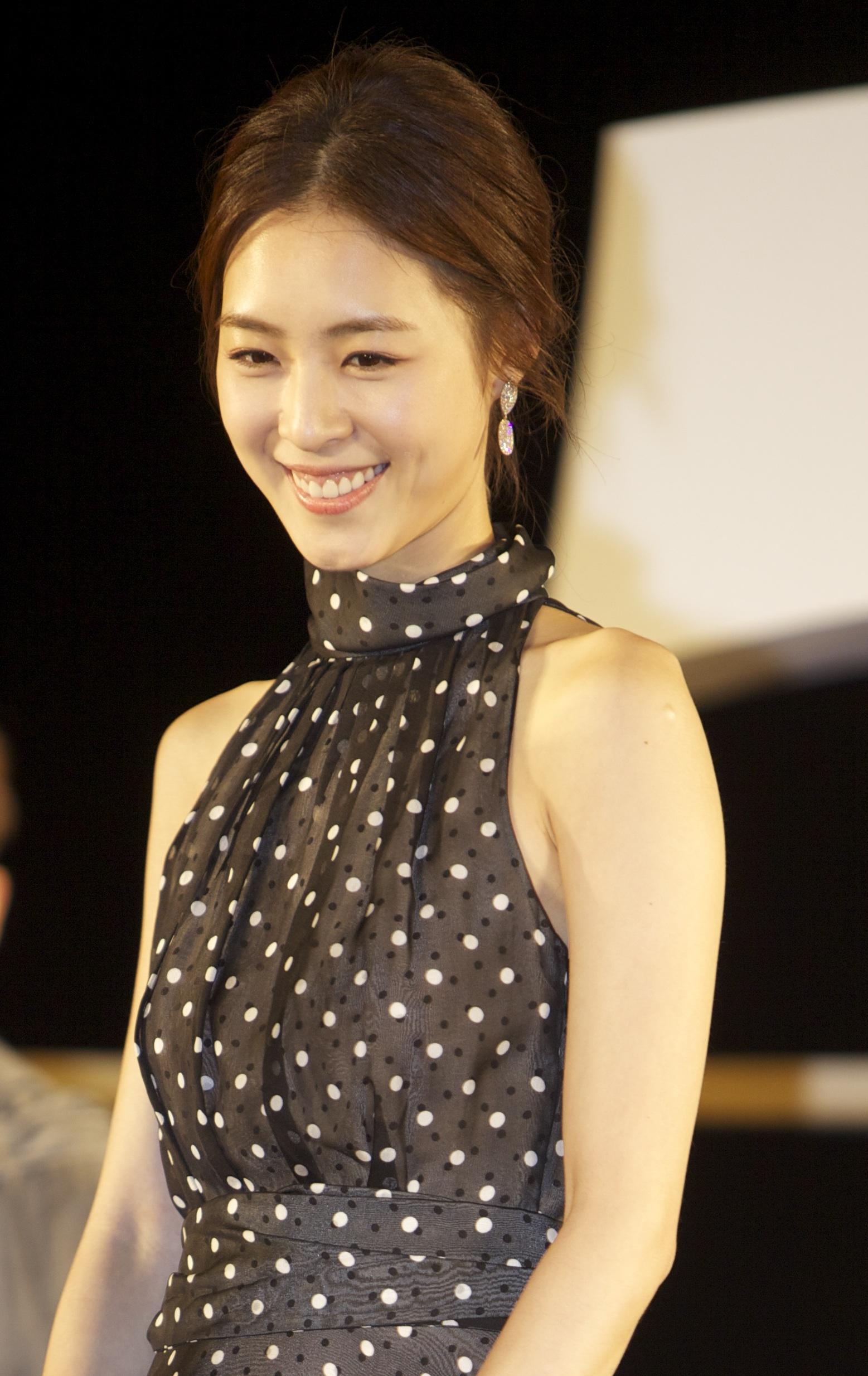 Yeon-hee Lee Nude Photos 95