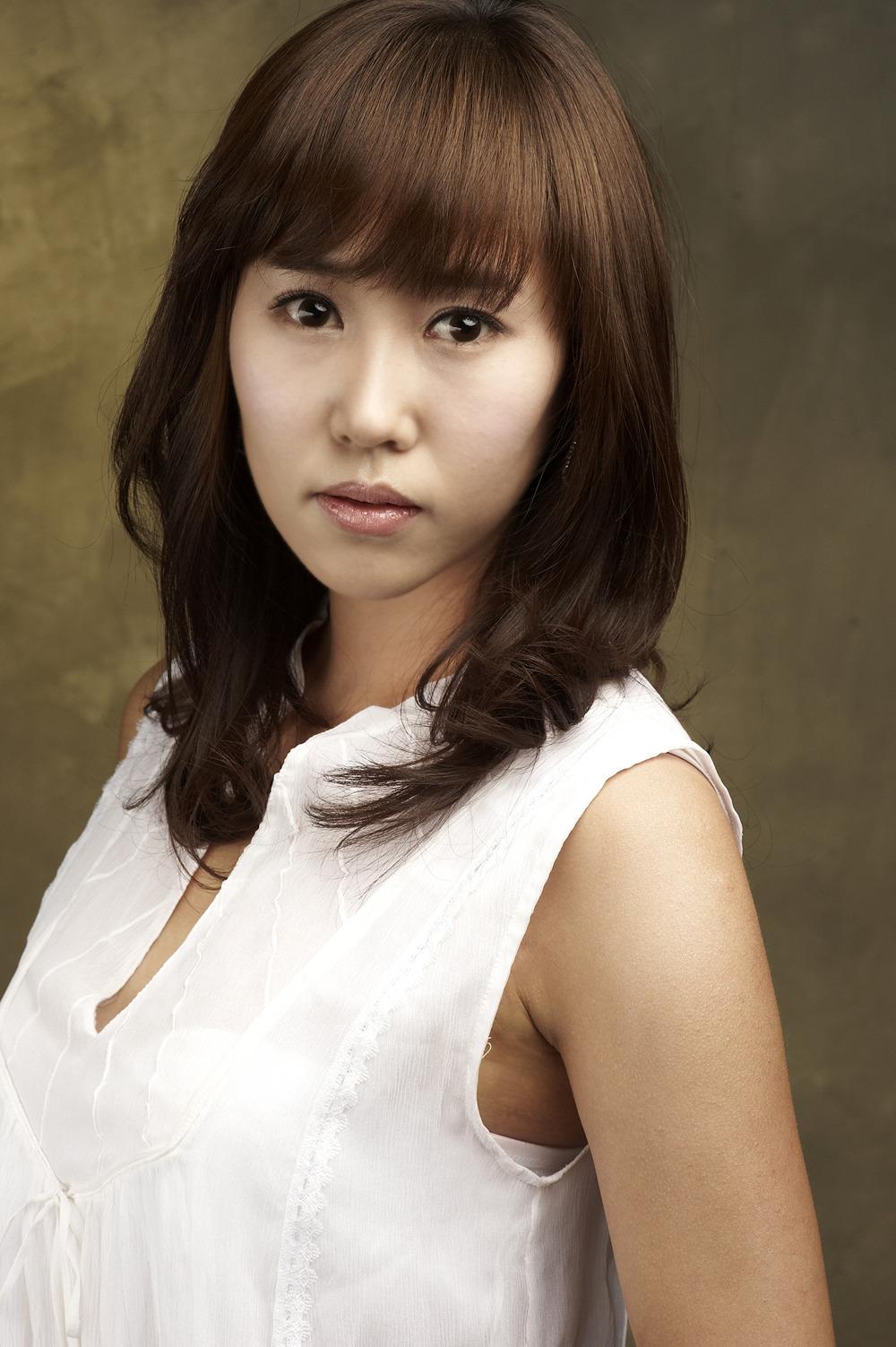 Hwang Eun-Jeong - AsianWiki
