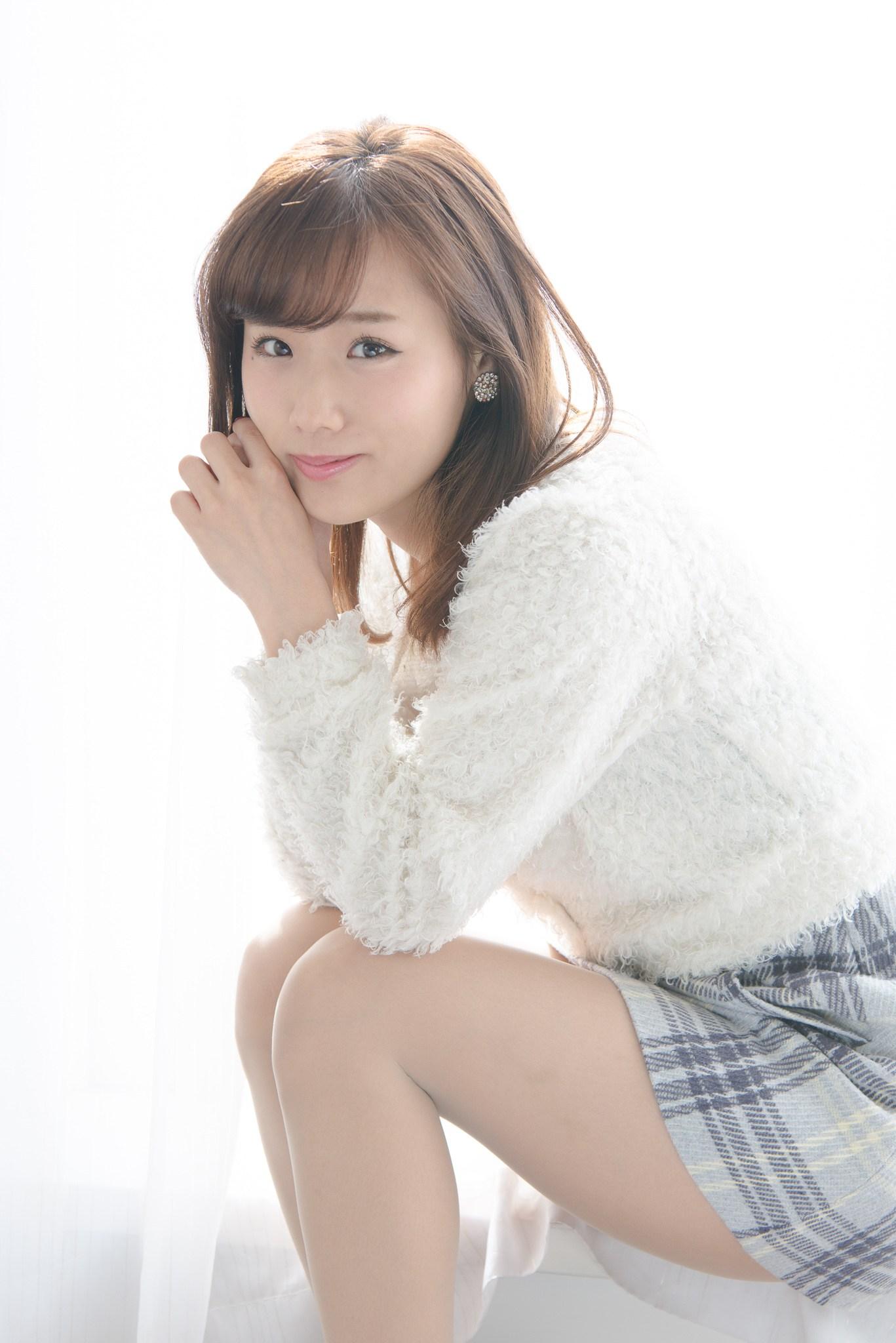 Yuzuki Akiyama - AsianWiki