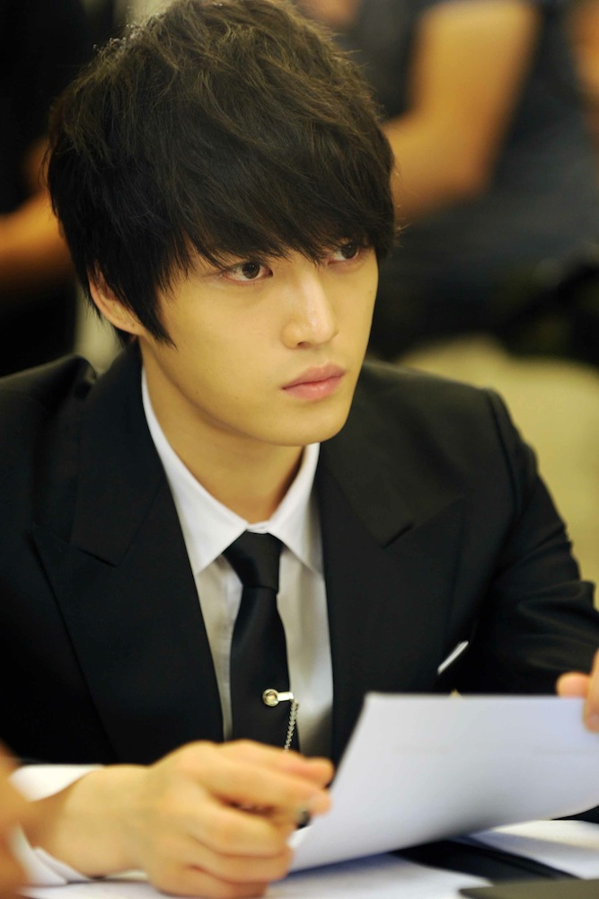 Protect The Boss-01.jpg