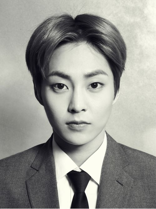 Two sides One wolf Xiumin werewolf chronicles