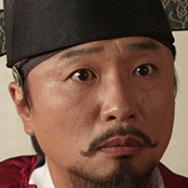 Mr. Queen-Jeon Bae-Su.jpg