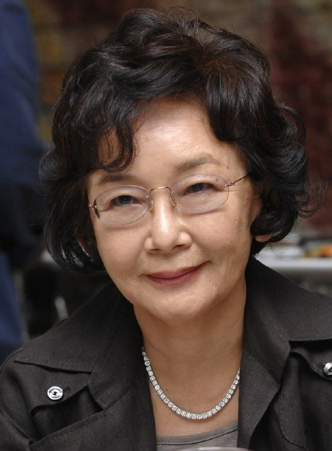 Kim Soo-Hyun (1943-screenwriter)-01.jpg