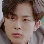 My Strange Hero-Yoo Seon-Ho.jpg