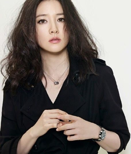 Lee Young-Ae-p03.jpg