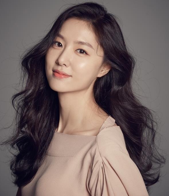 Seo_Ji-Hye-1984-p1.jpg