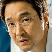 Dr. Romantic 2-Han Suk-Kyu.jpg