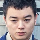 Yocho Sanpo Suru Shinryakusha-Shota Sometani1.jpg
