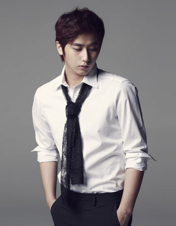 http://asianwiki.com/images/5/5f/Heo_Young-Saeng-01.jpg