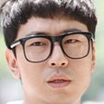 W (Korean Drama)-Lee Si-Un.jpg