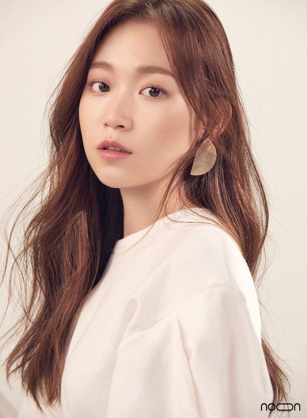 Kim Seul-Gi - AsianWiki