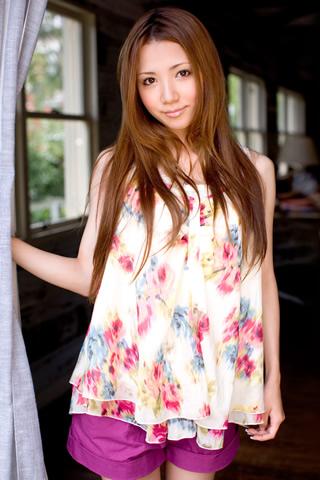 Ayaka Tomoda - AsianWiki