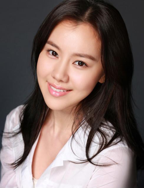Kim Ye-Won - AsianWiki