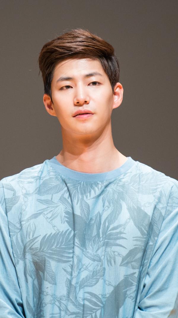 0d07e16dee Song Jae-Rim - AsianWiki