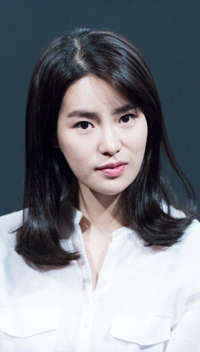 Ji-Yeon Lim Nude Photos 28