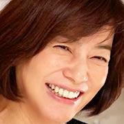 Everyone's Demoted-Akiko Yagi.jpg