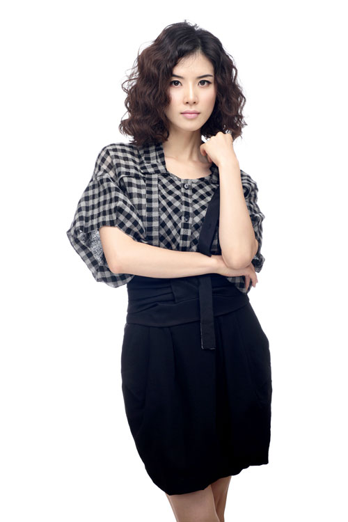 http://asianwiki.com/images/b/b7/Lee_Bo-Young-p3.jpg