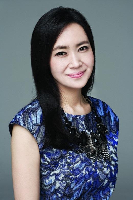 Kim Sun-Kyung-1967-p1.jpg