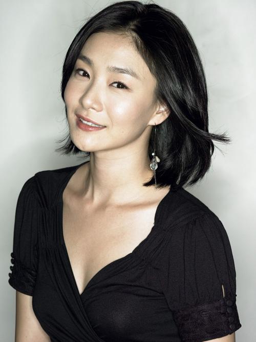 Park Hyo-Ju-p2.jpg