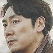 Signal (Korean Drama)-Cho Jin-Woong.jpg