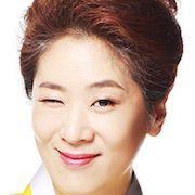 The Family Is Coming-Baek Ji-Won.jpg
