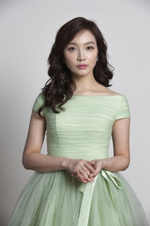 Lee Min-Young-p02.jpg