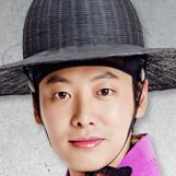 Maids-Kim Dong-Wook1.jpg
