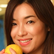 Fruits Takuhaibin-Rina Uchiyama.jpg