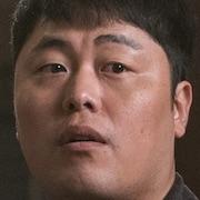 Dr. Romantic 2-Bae Myung-Jin.jpg