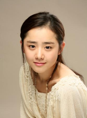 Moon Geun-Young.jpg