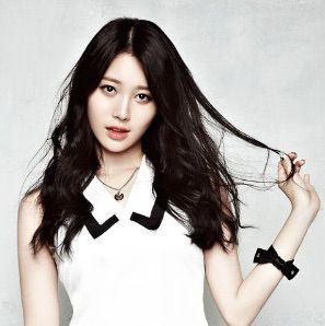 Yura - Girl's Day-p2.jpg