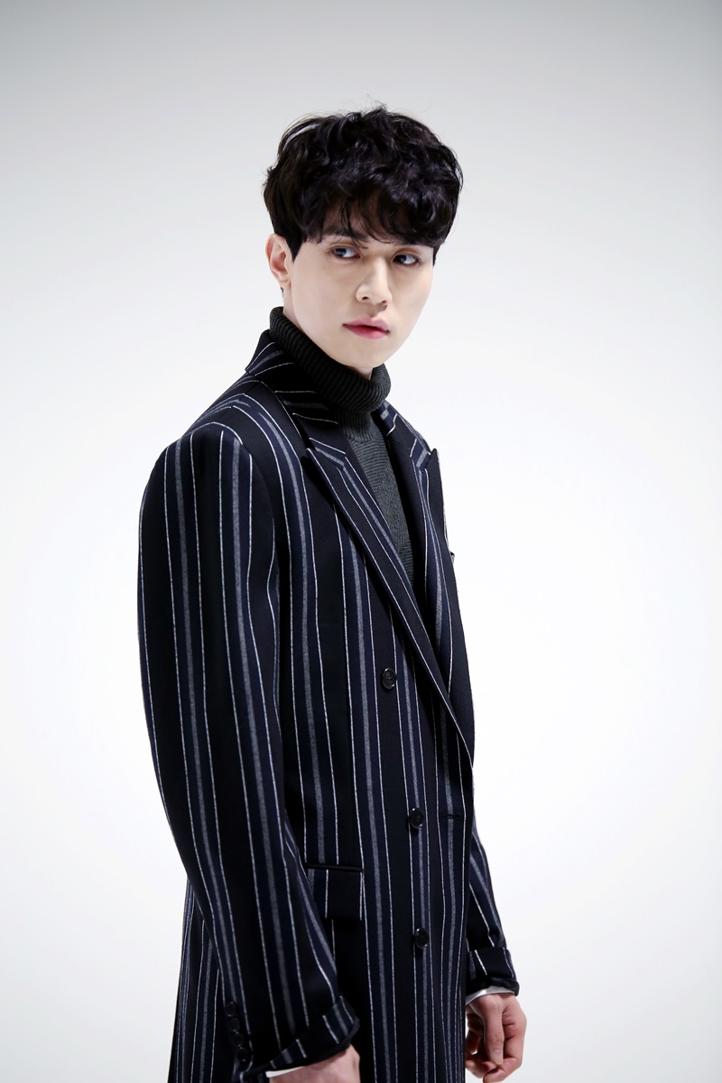 Actor Lee Dong Wook confirmed the appearance of the drama 'Strangers